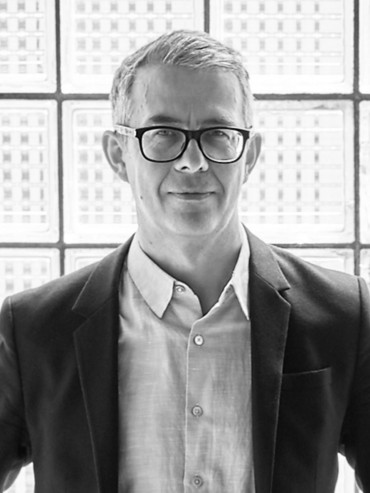 Urs Meister<br>Prof. Dipl. Architekt ETH BSA SIA<br>Zürich