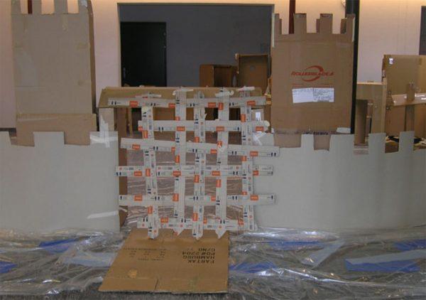 """Burg bauen (Bild: Studienwoche """"Wir bauen eine Burg"""")"""