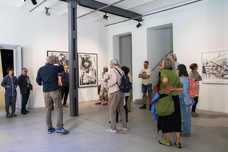Fundaziun Nairs, Führung in der Ausstellung NAIRAS. Mare e Monti, Foto by Nelly Rodriguez