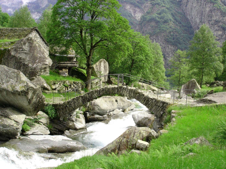 Brücke von Puntìd (Bild: ©Schweizer Heimatschutz)